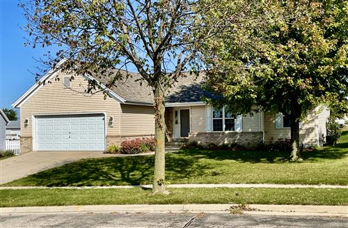 Photo of 904 Steeplechase Dr, Watertown, WI 53094 (MLS # 1765108)