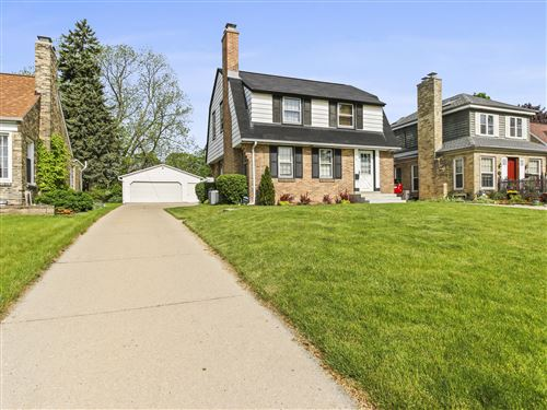 Photo of 231 Glenview Ave, Wauwatosa, WI 53213 (MLS # 1691113)