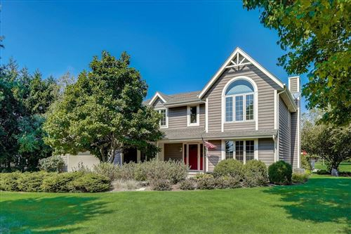Photo of 387 Copperfield Dr, Delafield, WI 53018 (MLS # 1764116)