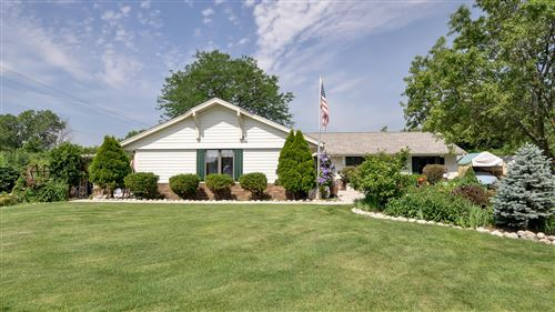 Photo of 7867 S 83rd St, Franklin, WI 53132 (MLS # 1670117)