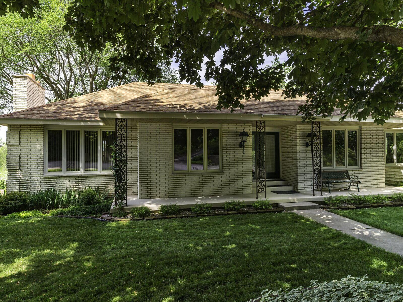 1820 Eastwood Ln, La Crosse, WI 54601 - MLS#: 1746125