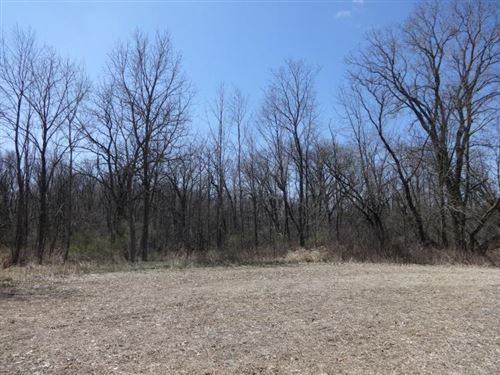 Photo of 1606 Rookery Glen, Rochester, WI 53185 (MLS # 1631129)