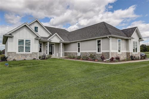 Photo of 370 Foxwood Trl, Geneva, WI 53147 (MLS # 1670130)
