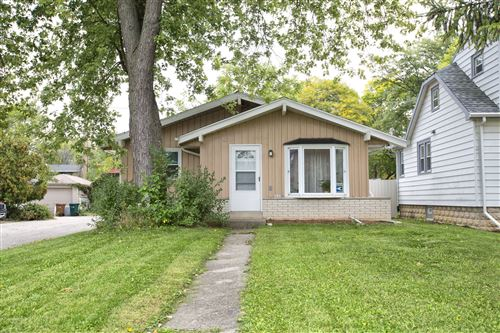 Photo of 4640 N River Park Blvd, Glendale, WI 53209 (MLS # 1712136)