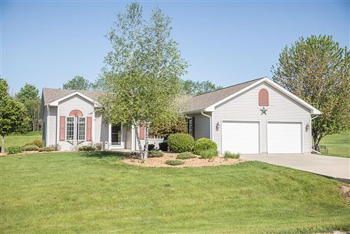 Photo of 763 N Twin Knolls Dr, Koshkonong, WI 53538 (MLS # 1691137)