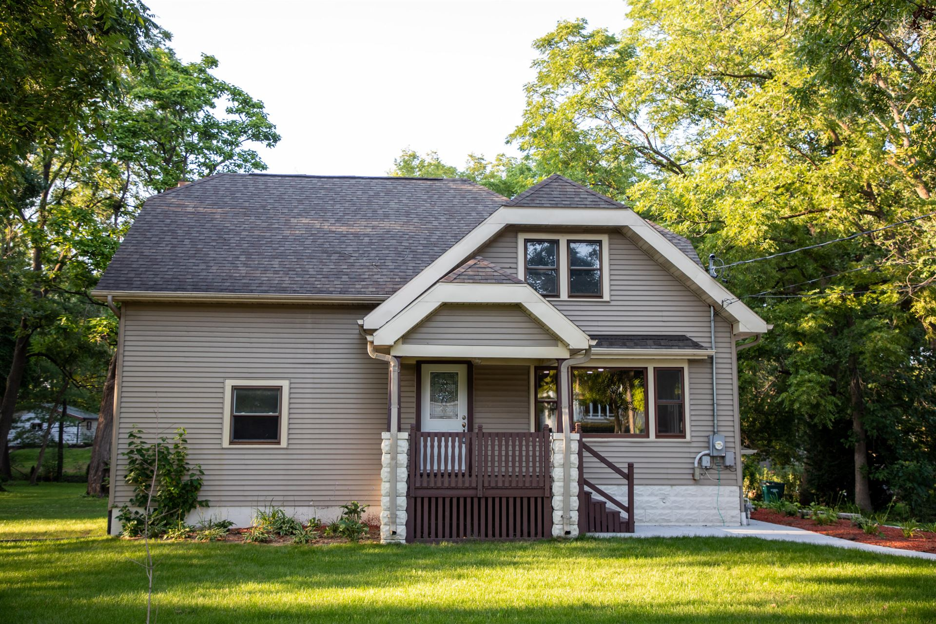 12506 W Forest Dr, New Berlin, WI 53151 - #: 1736139