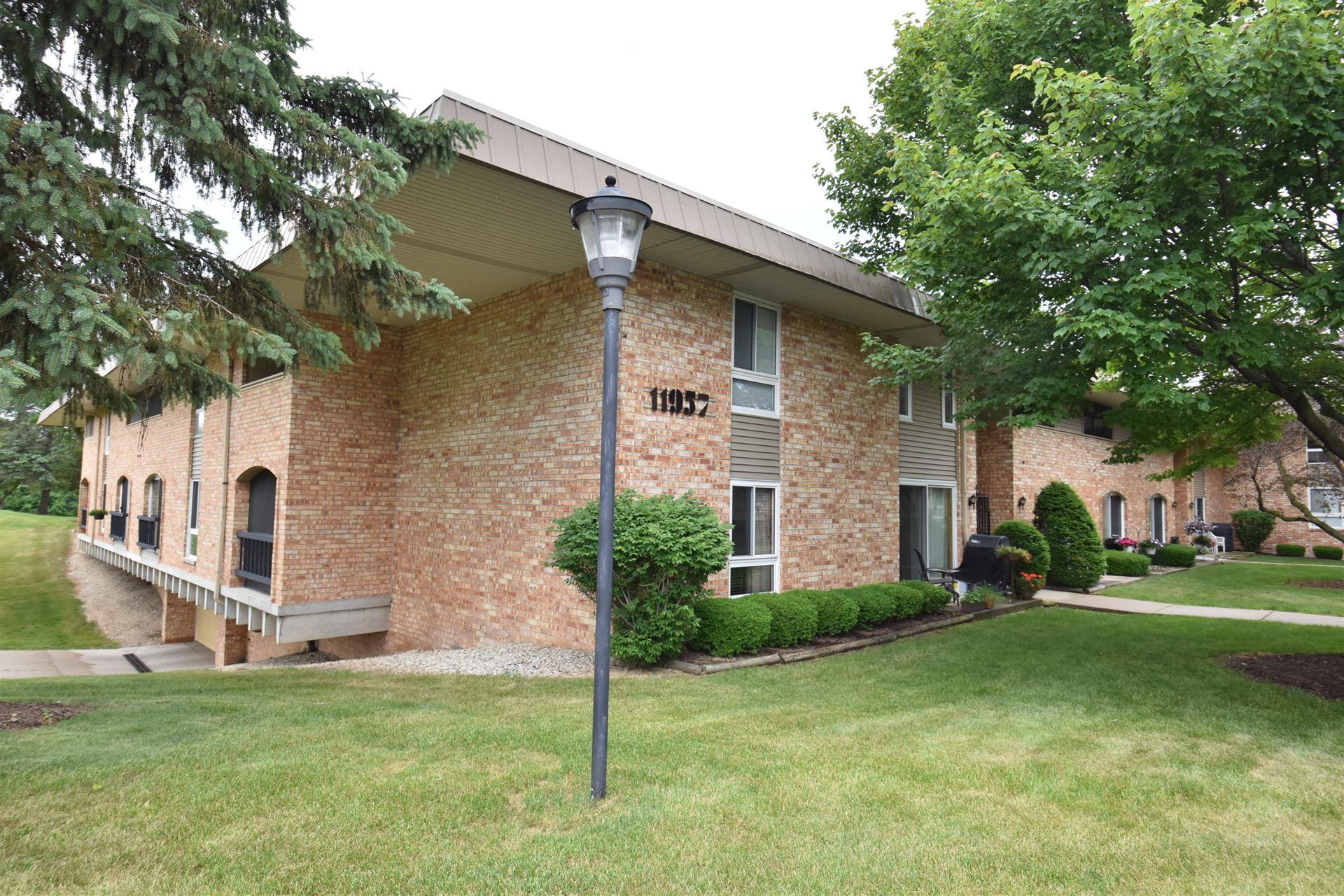 11957 W Appleton Ave #10, Milwaukee, WI 53224 - #: 1695142