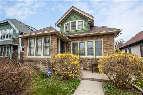 Photo of 3022 N Cambridge Ave, Milwaukee, WI 53211 (MLS # 1686148)
