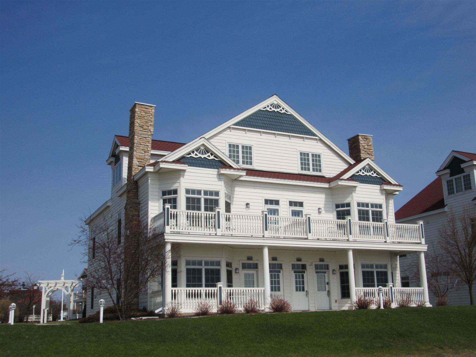 827 Beachfront Dr, Sheboygan, WI 53081 - MLS#: 1742148