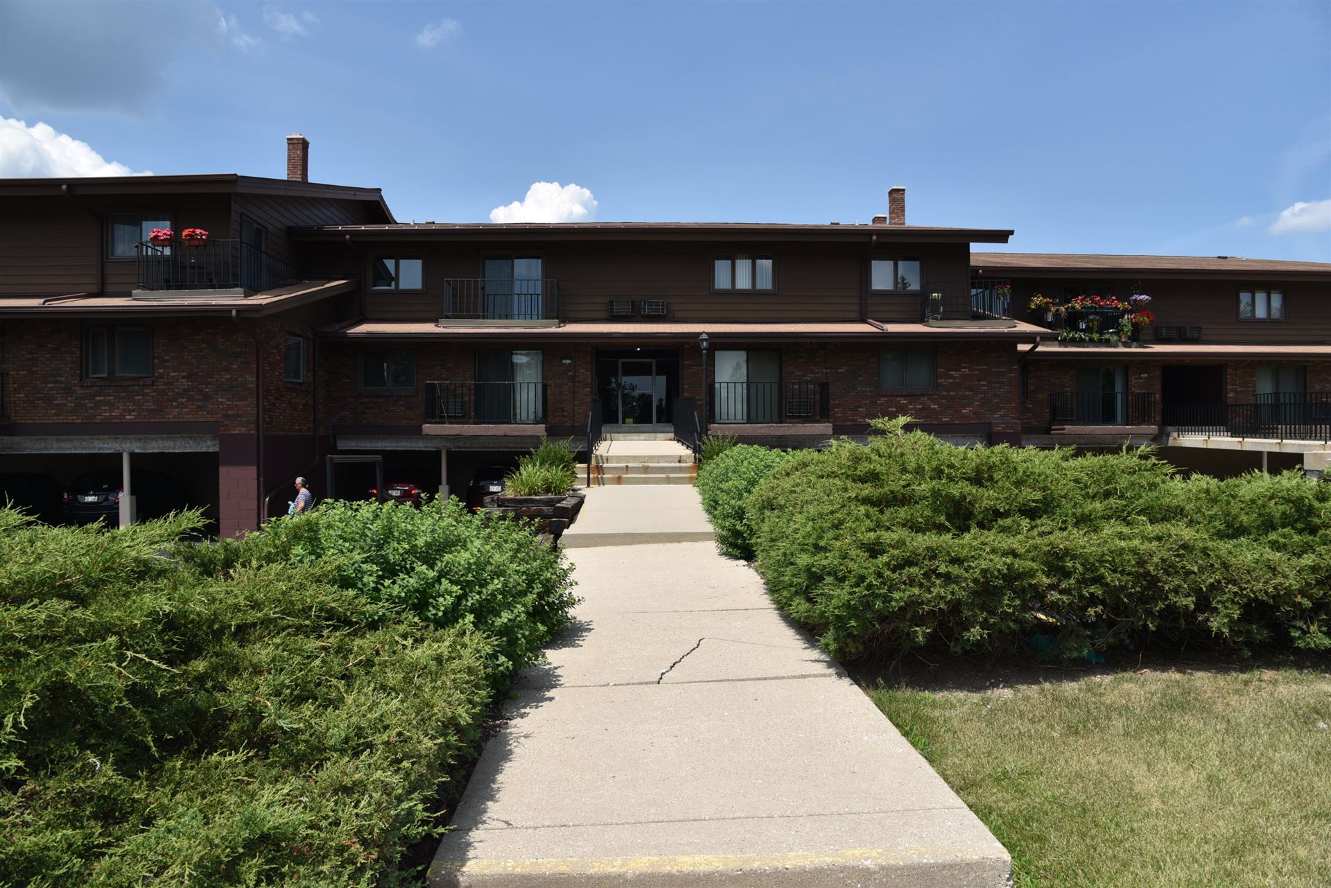 3975 S 84th #3, Greenfield, WI 53228 - #: 1702149