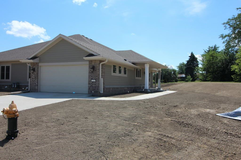 1426 Country Club Dr, Mount Pleasant, WI 53406 - #: 1685151