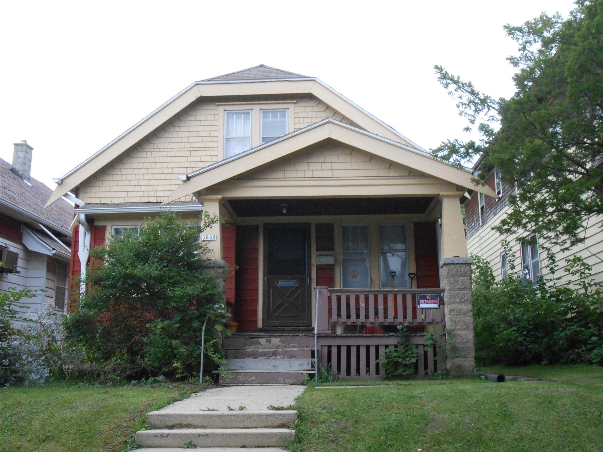 3868 N 15th St, Milwaukee, WI 53206 - #: 1715161