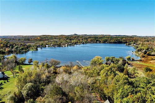 Photo of 1358 E Friess Lake Dr, Richfield, WI 53033 (MLS # 1655178)
