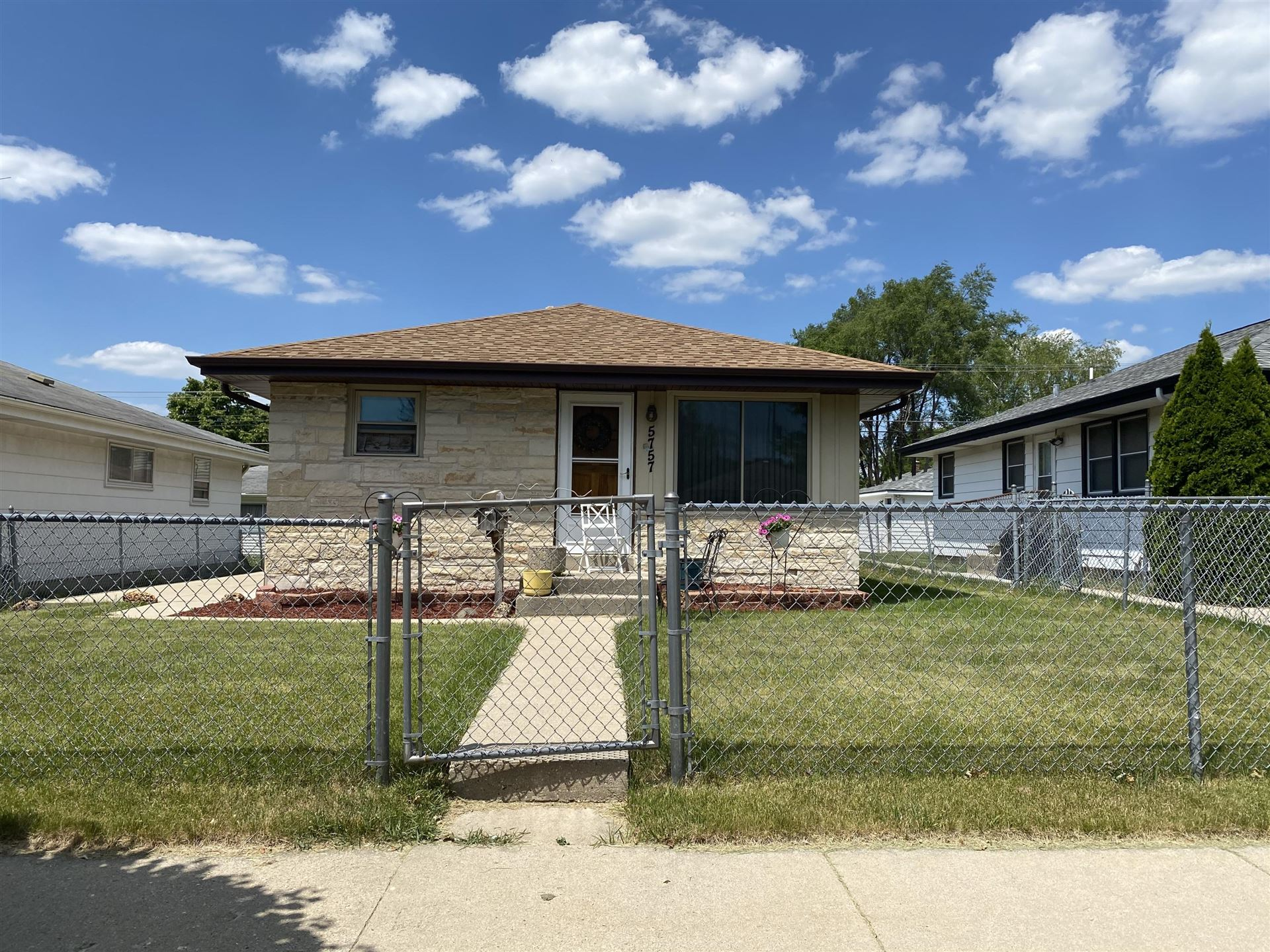 5757 N 96th St, Milwaukee, WI 53225 - #: 1711184