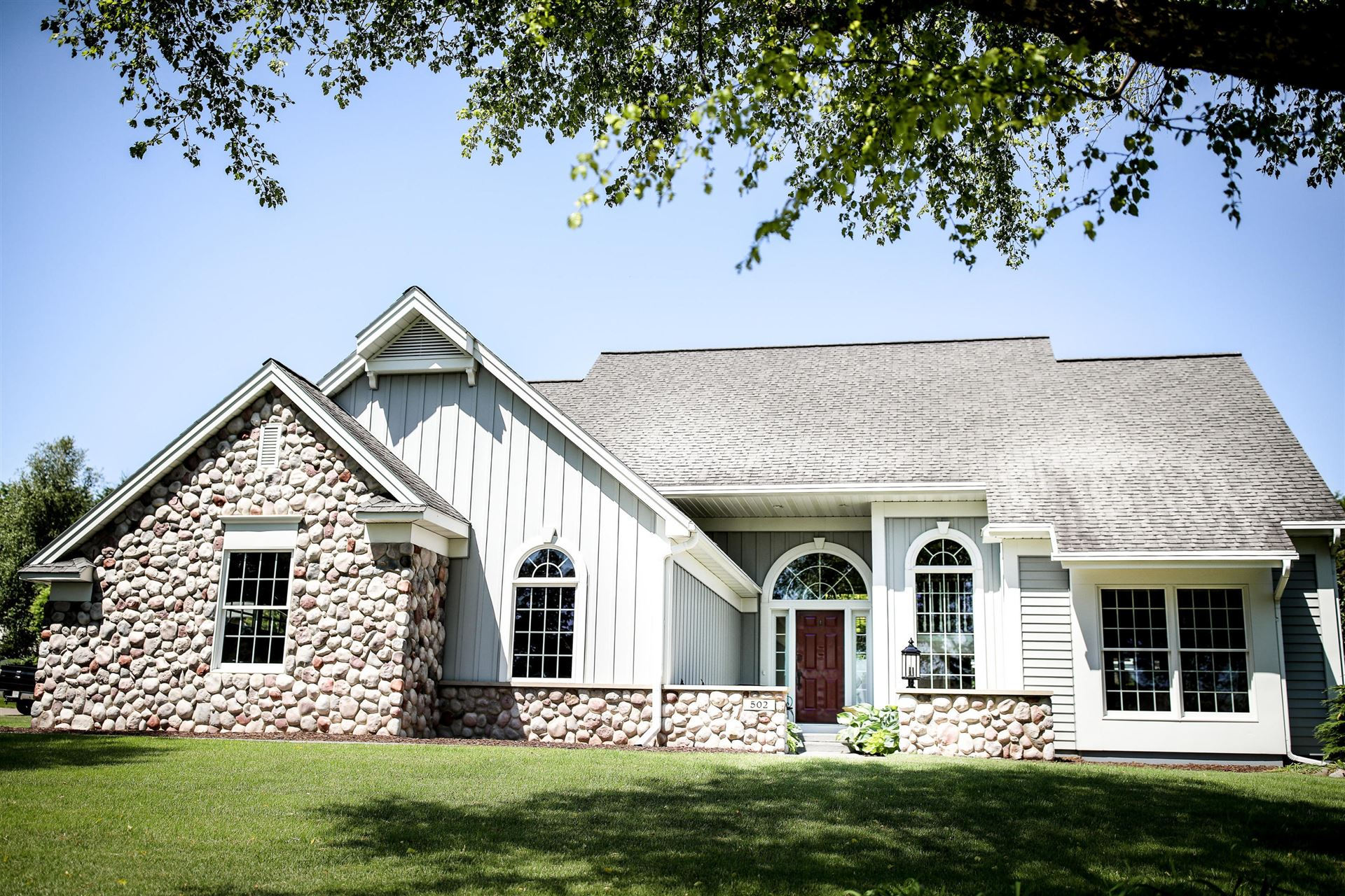 502 Highland Meadows Dr, Sparta, WI 54656 - MLS#: 1694185