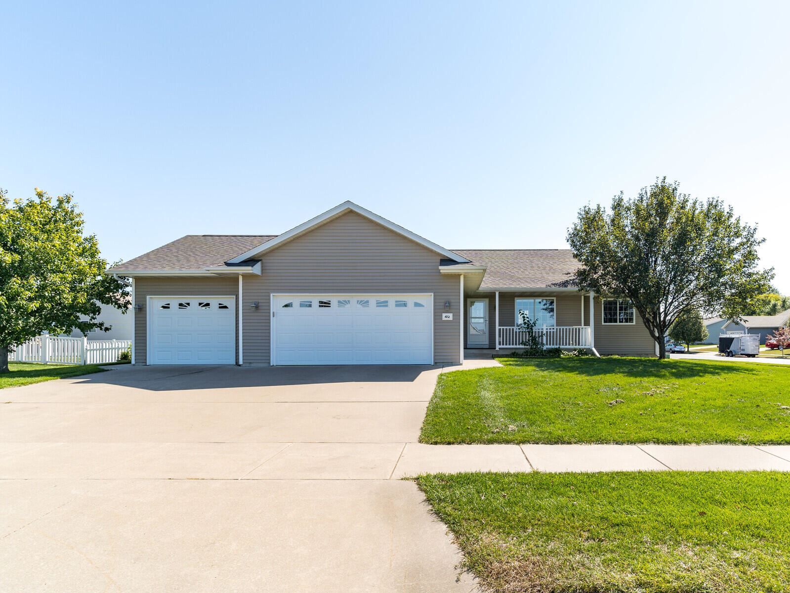 102 Grant ST, Holmen, WI 54636 - MLS#: 1764190