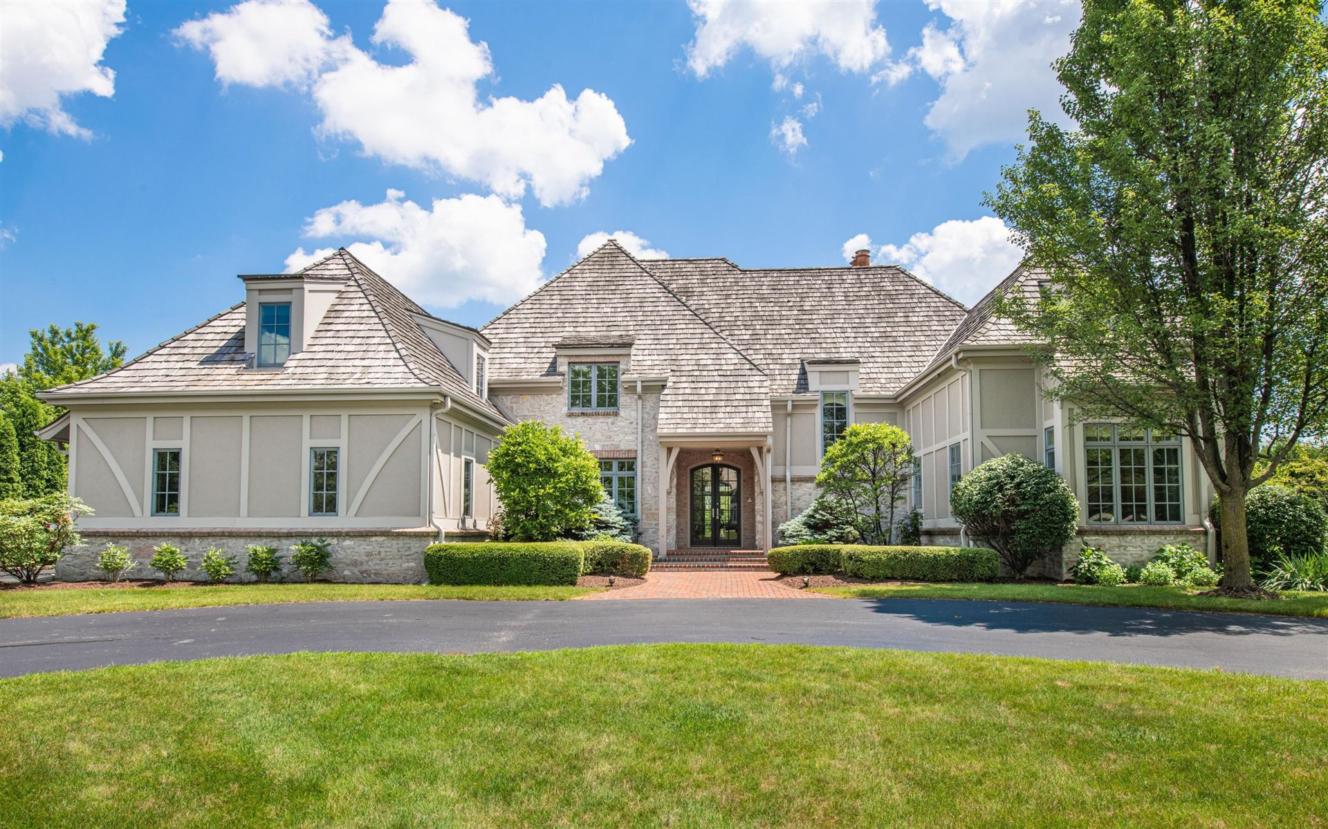 11650 N Canterbury Dr, Mequon, WI 53092 - #: 1696195