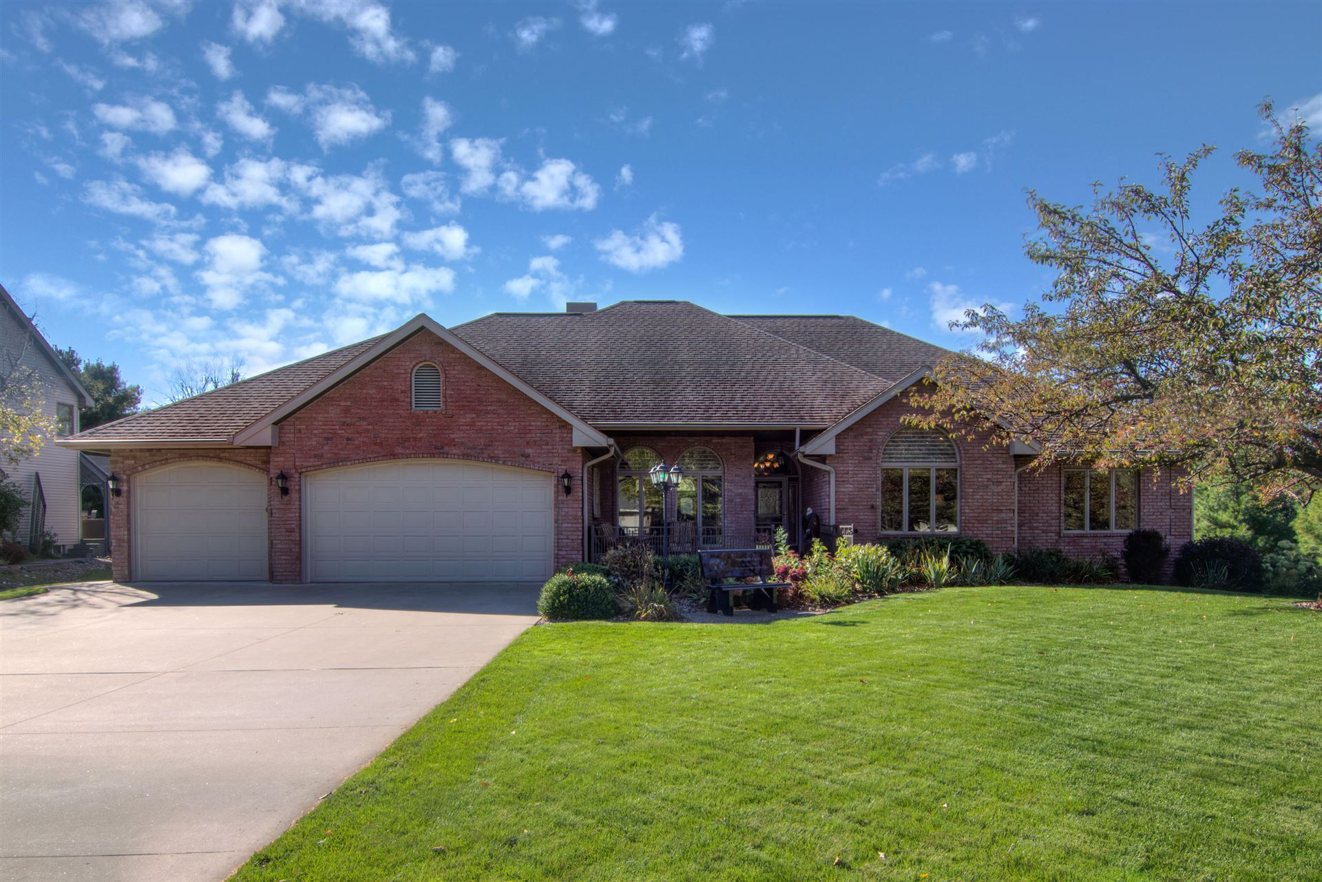 2400 Cedar Creek Ln, Onalaska, WI 54650 - MLS#: 1714195