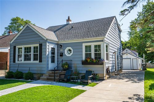 Photo of 4822 N Elkhart Ave, Whitefish Bay, WI 53217 (MLS # 1702199)