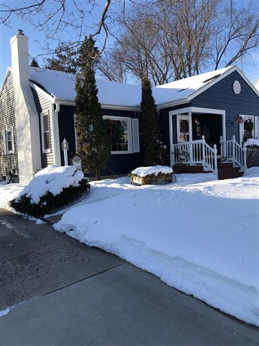 Photo of 152 Roland St, Sun Prairie, WI 53590 (MLS # 1728201)