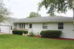 Photo of 1414 Roosevelt Dr S, West Bend, WI 53090 (MLS # 1655204)