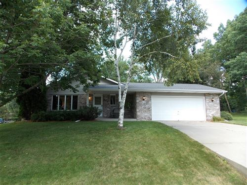 Photo of 608 Highview Dr, Slinger, WI 53086 (MLS # 1702204)