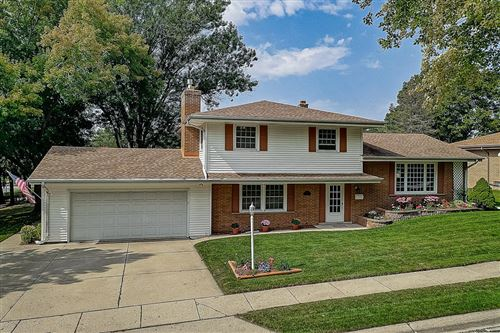 Photo of 4950 Sumac Ln, Greendale, WI 53129 (MLS # 1711204)