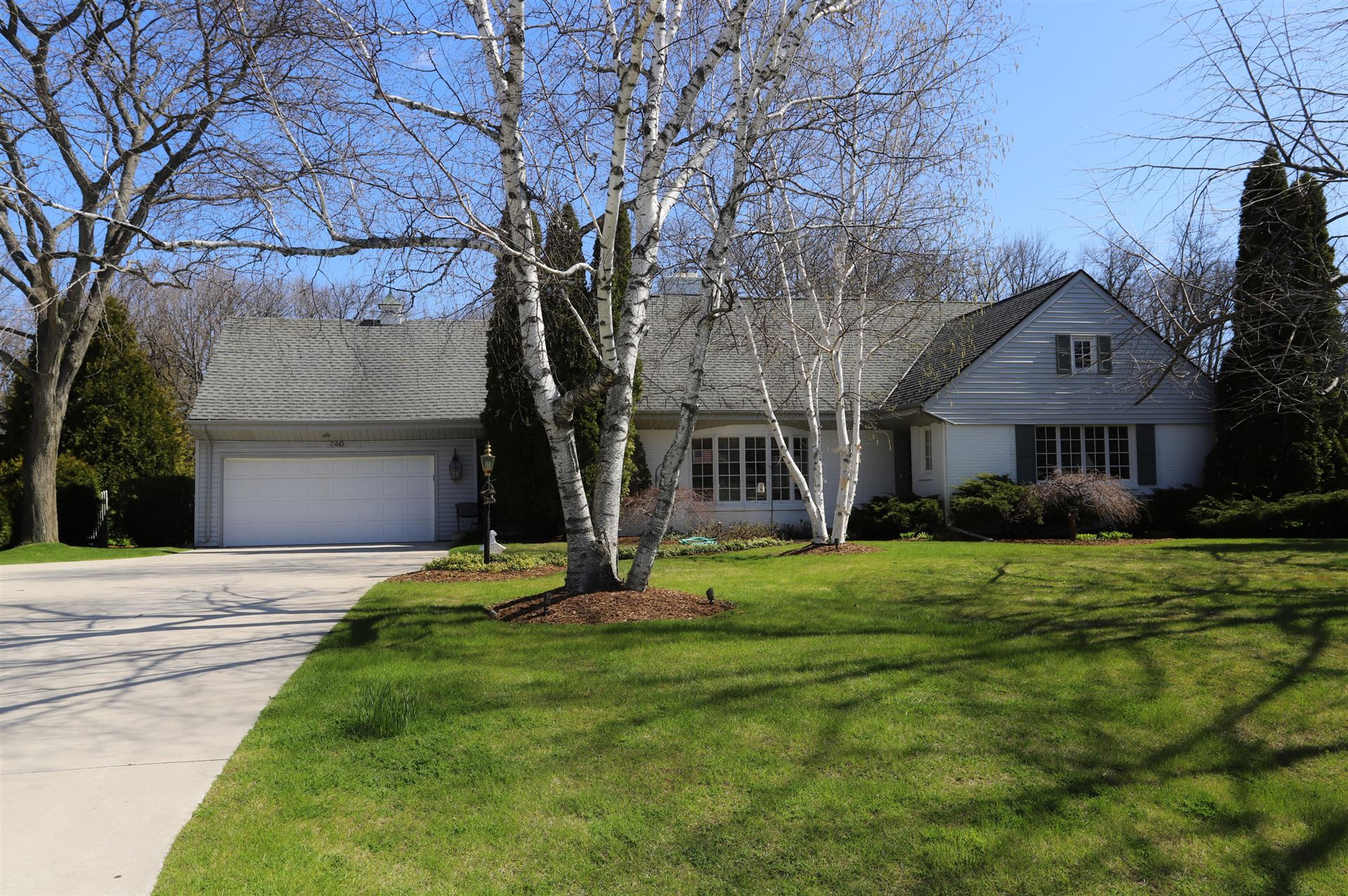 740 E Bay Point Rd, Bayside, WI 53217 - #: 1688205