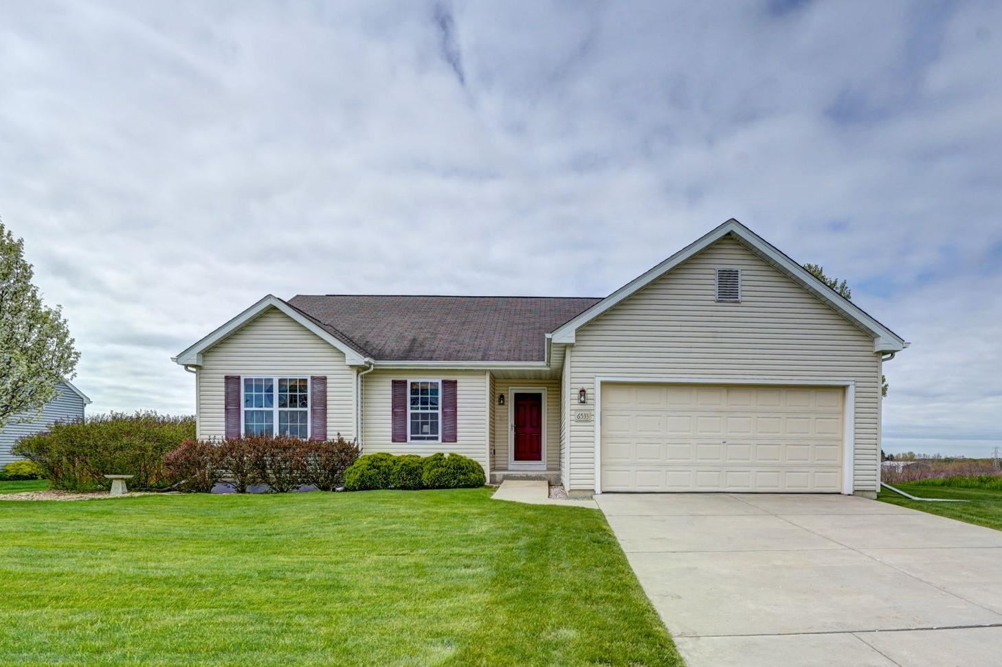 6533 Carnation Dr, Mount Pleasant, WI 53406 - #: 1690206