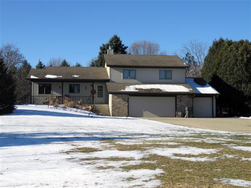 Photo of 471 Caernarvon Rd, Wales, WI 53183 (MLS # 1670213)