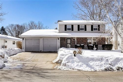 Photo of 530 Riverview Dr, West Bend, WI 53095 (MLS # 1728225)