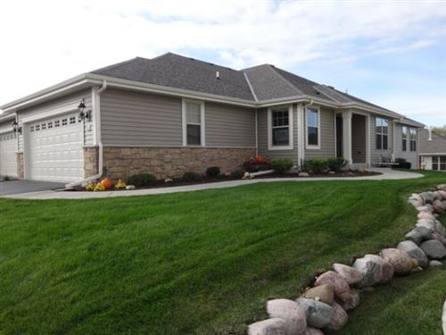Photo of 444 Woodfield Cir, Waterford, WI 53185 (MLS # 1769225)