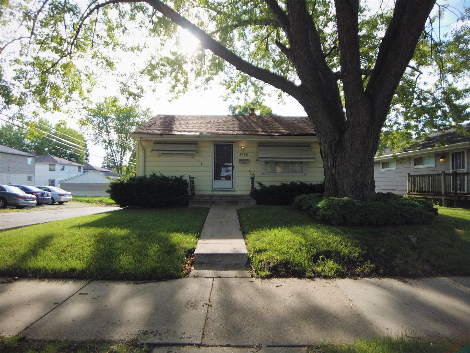 5958 N 71st St, Milwaukee, WI 53218 - #: 1696227