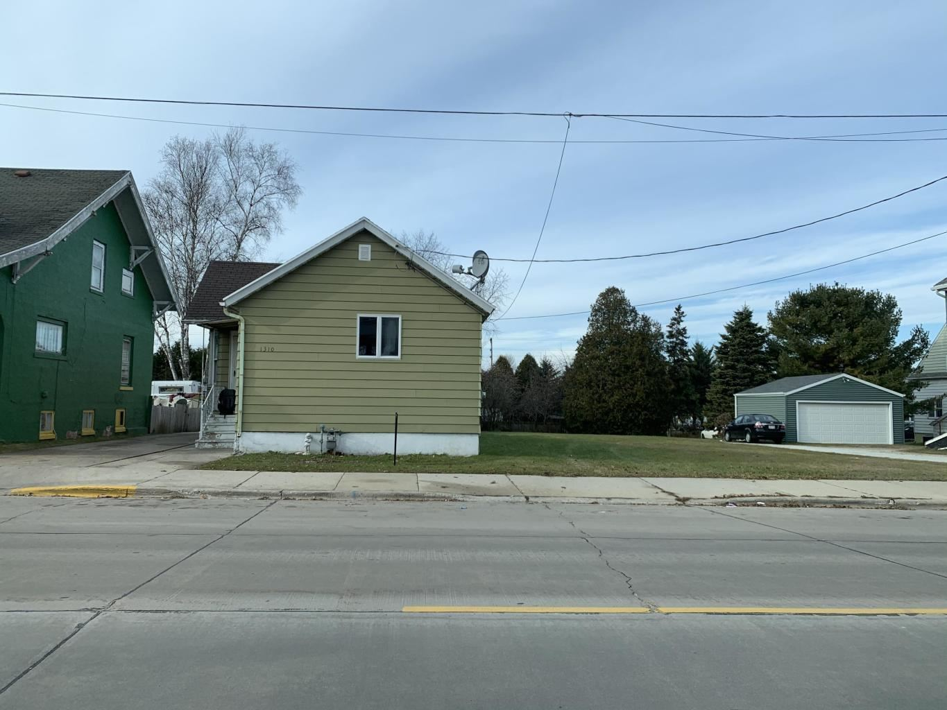 1310 Madison St, Two Rivers, WI 54241 - #: 1697235