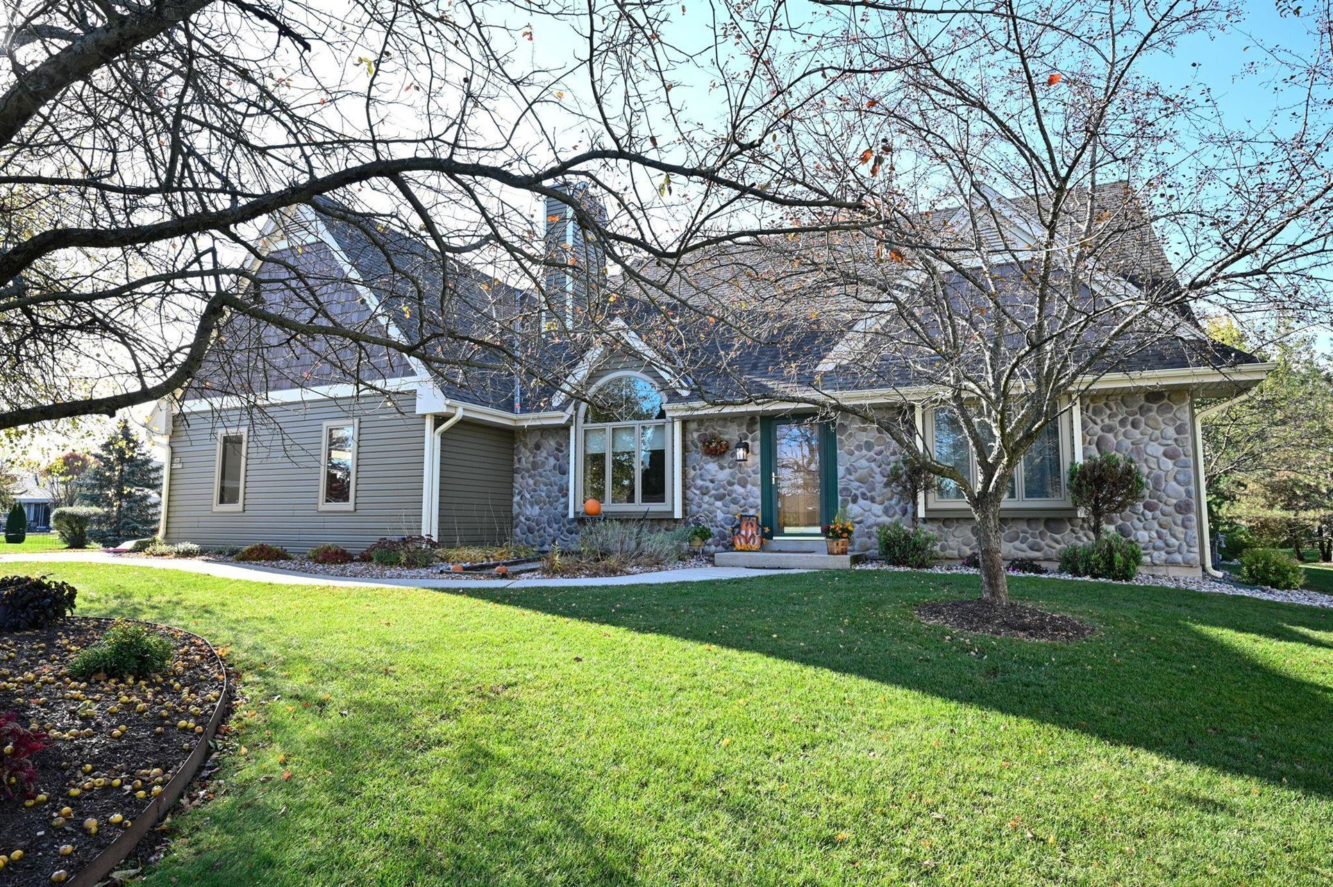 S84W19775 Loveland Ct, Muskego, WI 53150 - #: 1715245