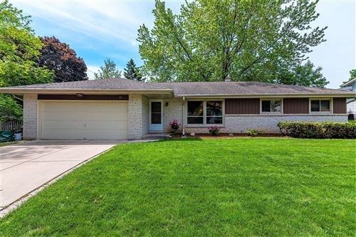 Photo of 277 Green Valley Pl, West Bend, WI 53095 (MLS # 1692246)