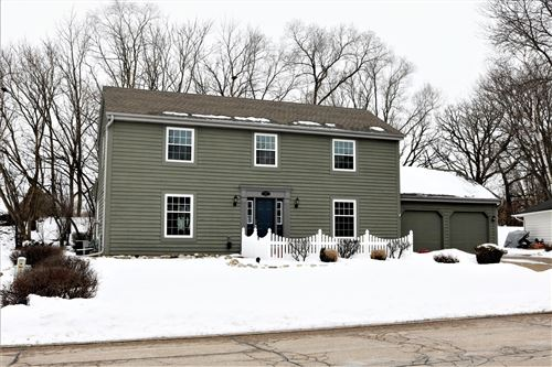 Photo of 420 Whippletree Ln, Waterford, WI 53185 (MLS # 1677248)