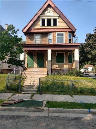 Photo of 102 W Auer Ave, Milwaukee, WI 53212 (MLS # 1711248)