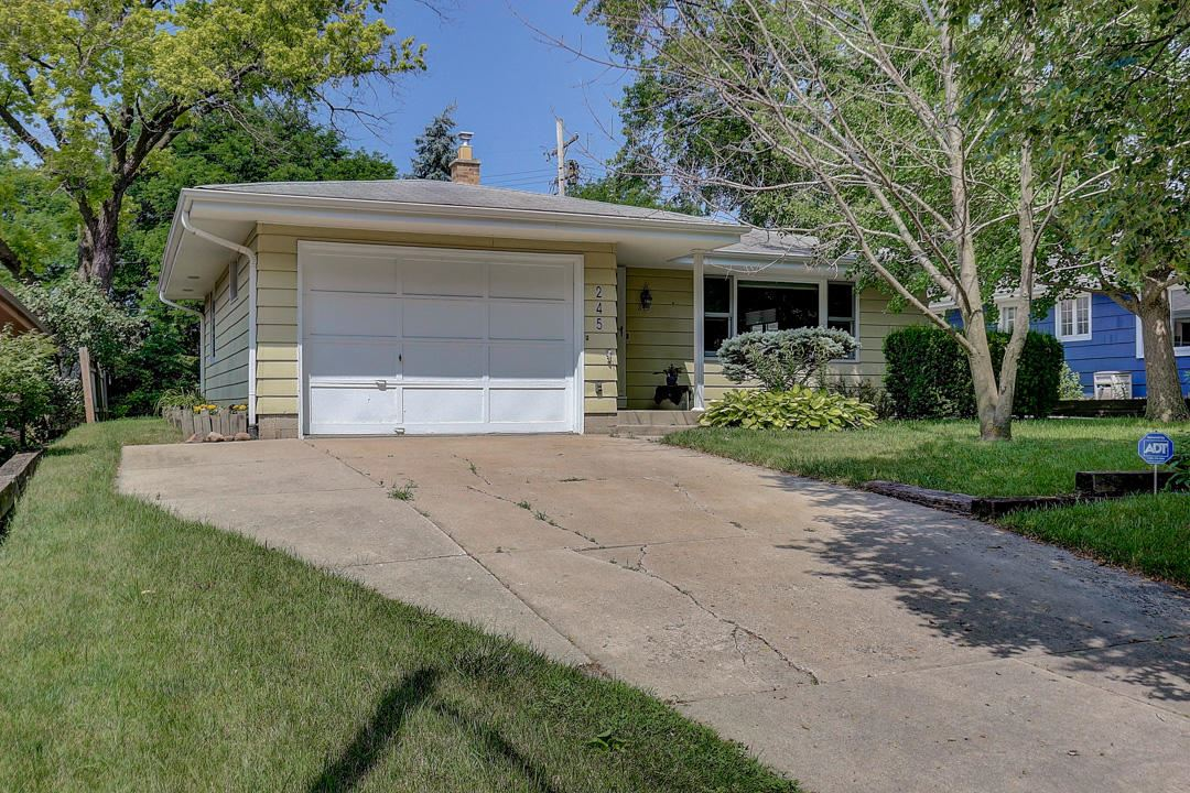245 N 110th St, Wauwatosa, WI 53226 - #: 1698252