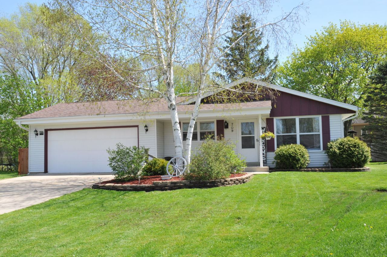 709 Aber Ct, Waterford, WI 53185 - #: 1690253