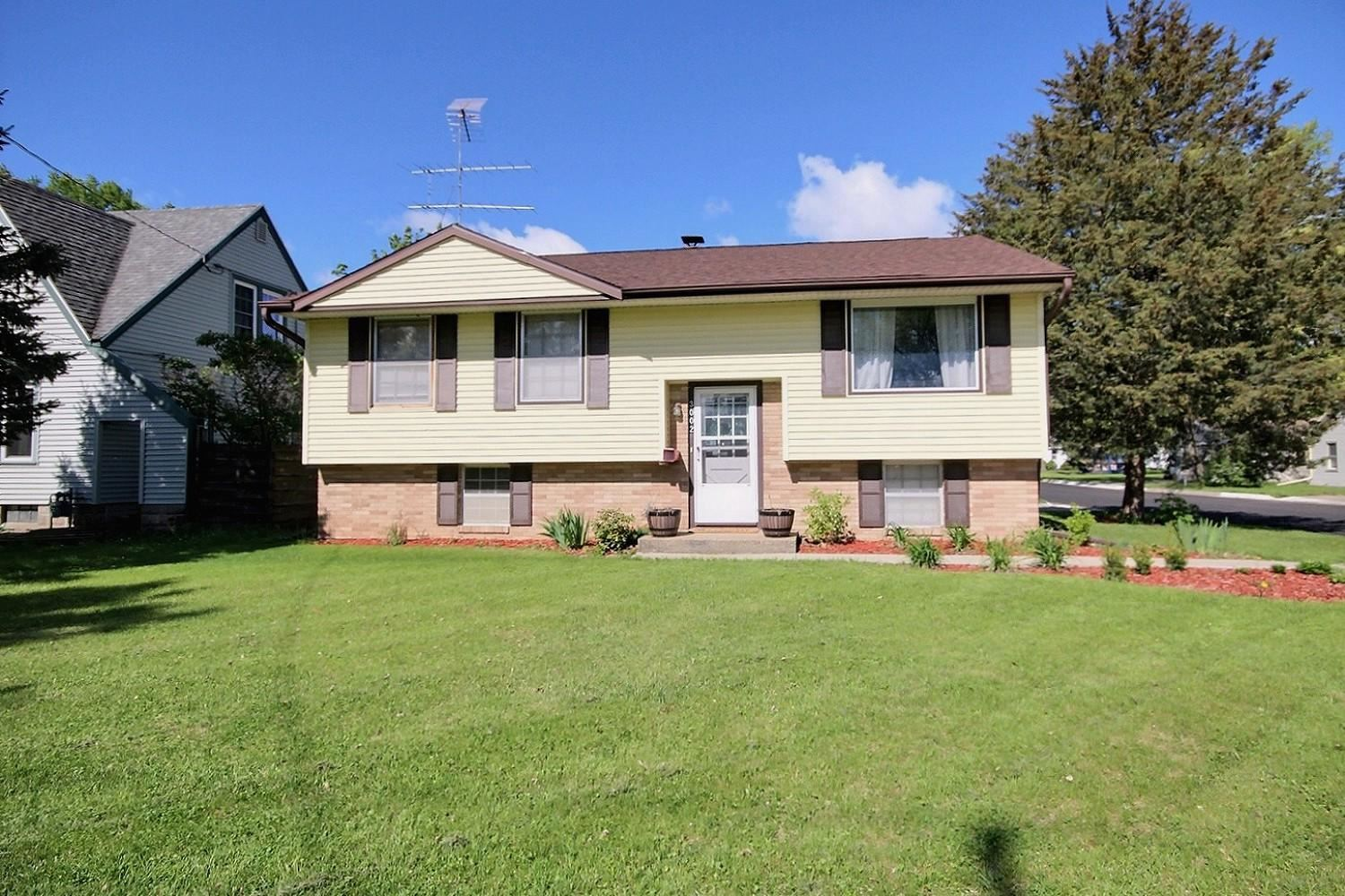 3002 Losey Blvd S, La Crosse, WI 54601 - MLS#: 1739254
