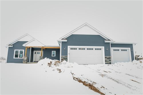 Photo of N828 Hickory Hills Dr, Ashippun, WI 53066 (MLS # 1655261)