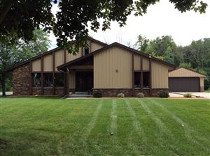 Photo of 7905 W Coventry Dr., Franklin, WI 53132 (MLS # 1655263)