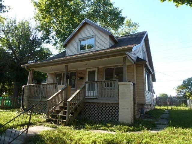 6109 W Fairview Ave #A\/B, Milwaukee, WI 53213 - #: 1704263