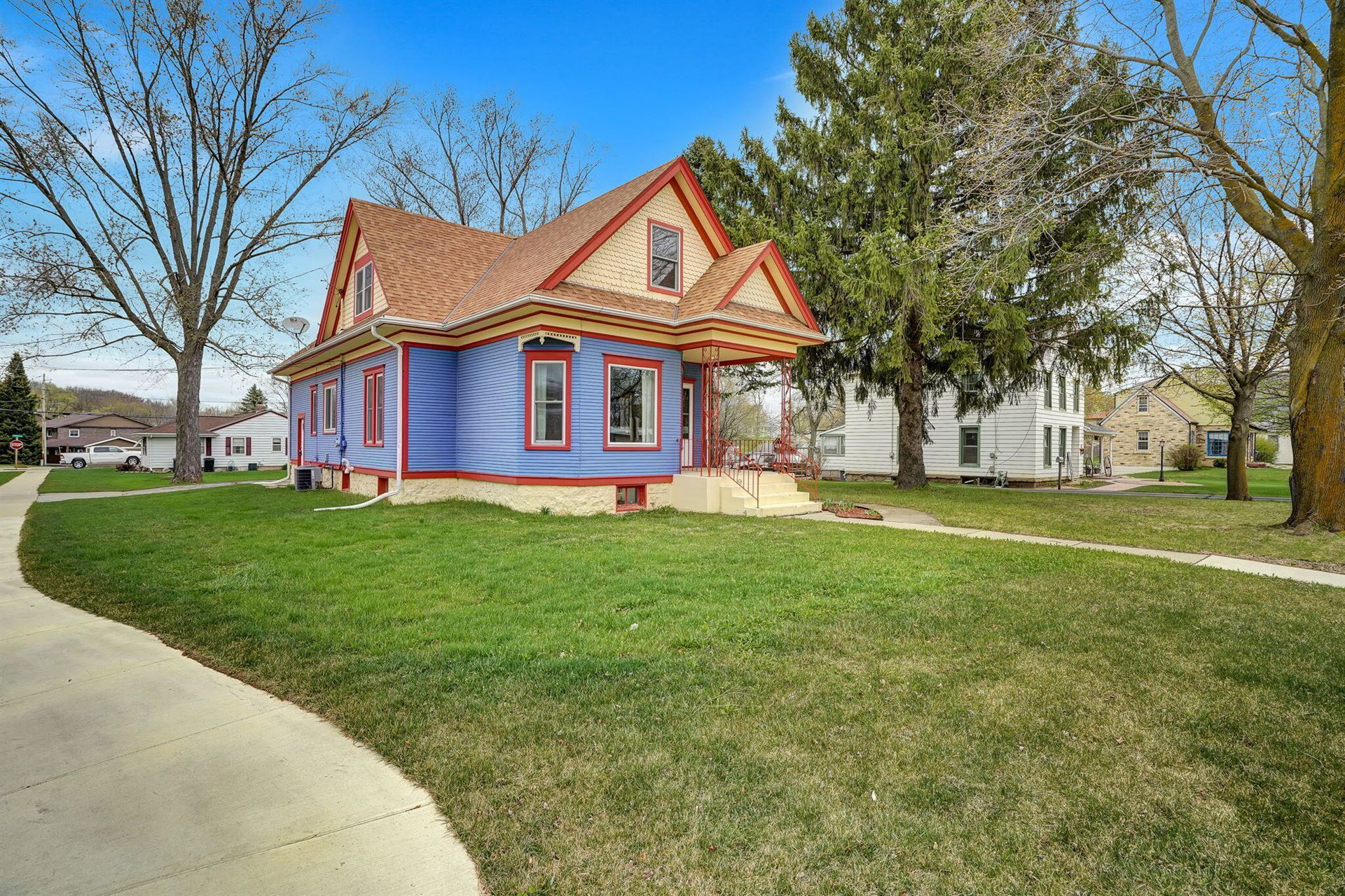 410 W Main St, Waterford, WI 53185 - #: 1735270