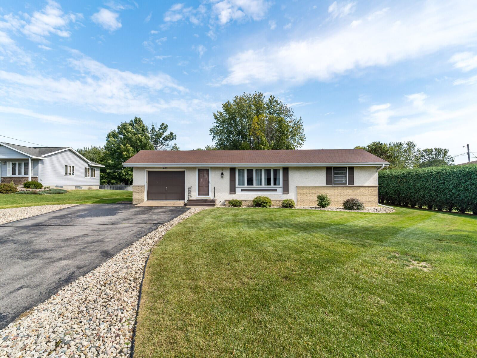 2606 Lakeshore Dr, Campbell, WI 54603 - MLS#: 1765274