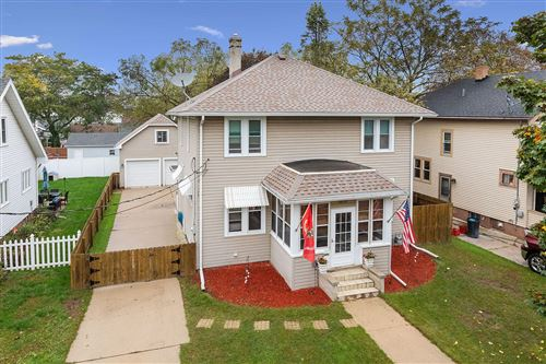 Photo of 1614 New York Ave, Manitowoc, WI 54220 (MLS # 1768278)