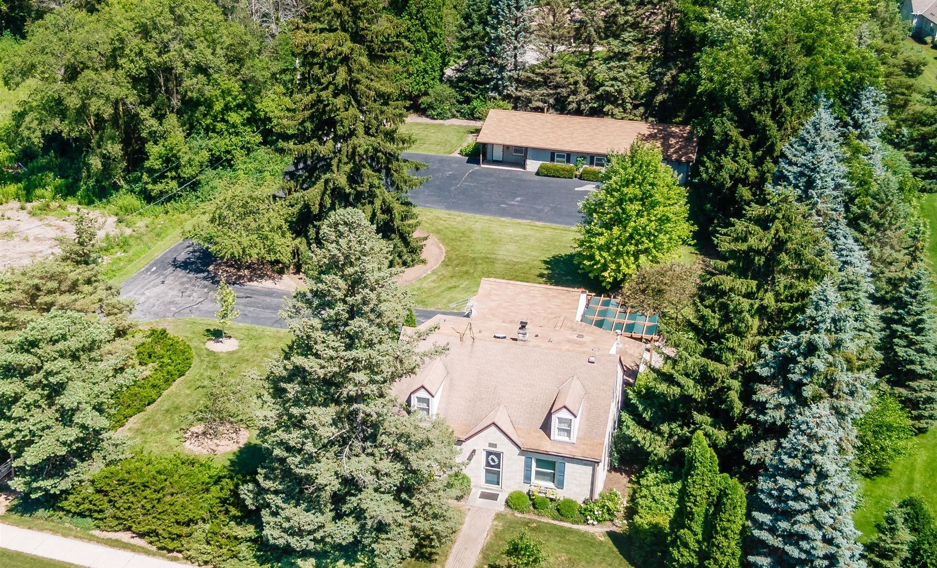 6714 W Mequon Rd, Mequon, WI 53092 - #: 1693279