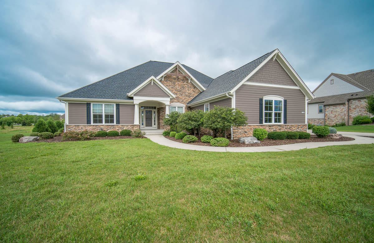 11453 N Oakview Ct, Mequon, WI 53092 - #: 1768285
