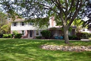 Photo of 2100 Hammock Hill Ln, Brookfield, WI 53045 (MLS # 1643291)